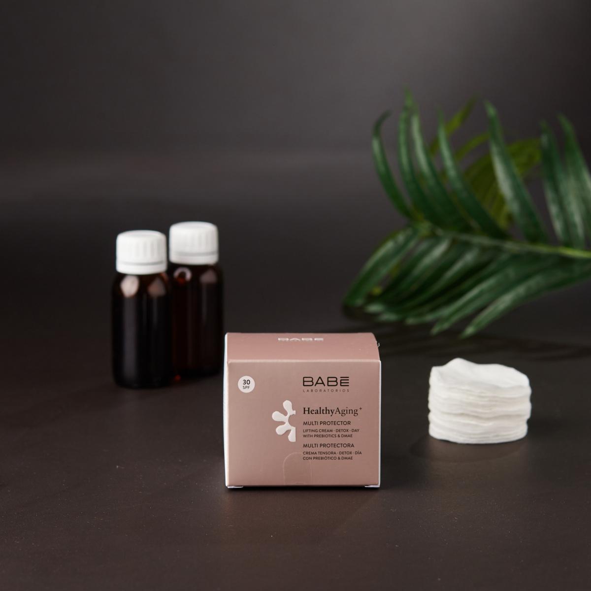 Заштитен крем за лице со повеќенаменско дејство SPF 30