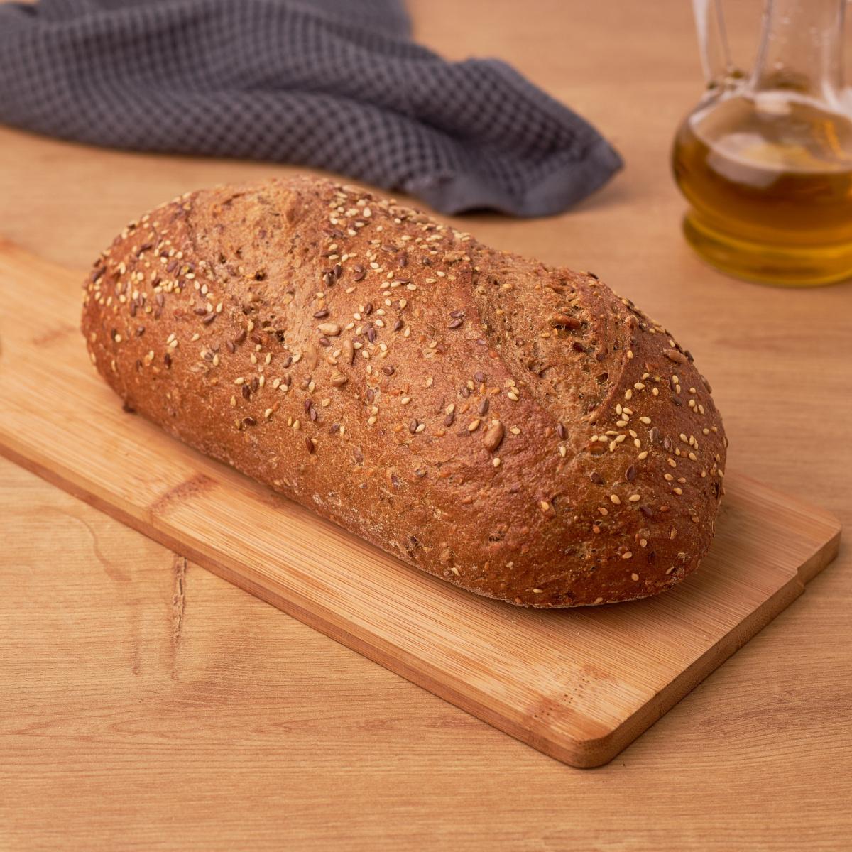 Рустичен леб булот со житарици