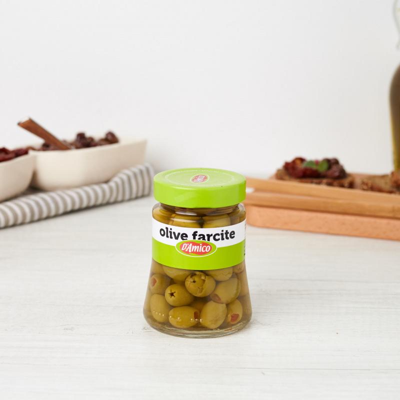 Зелени маслинки полнети со пимент