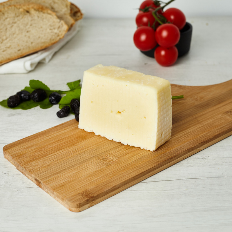 Биено полутврдо сирење