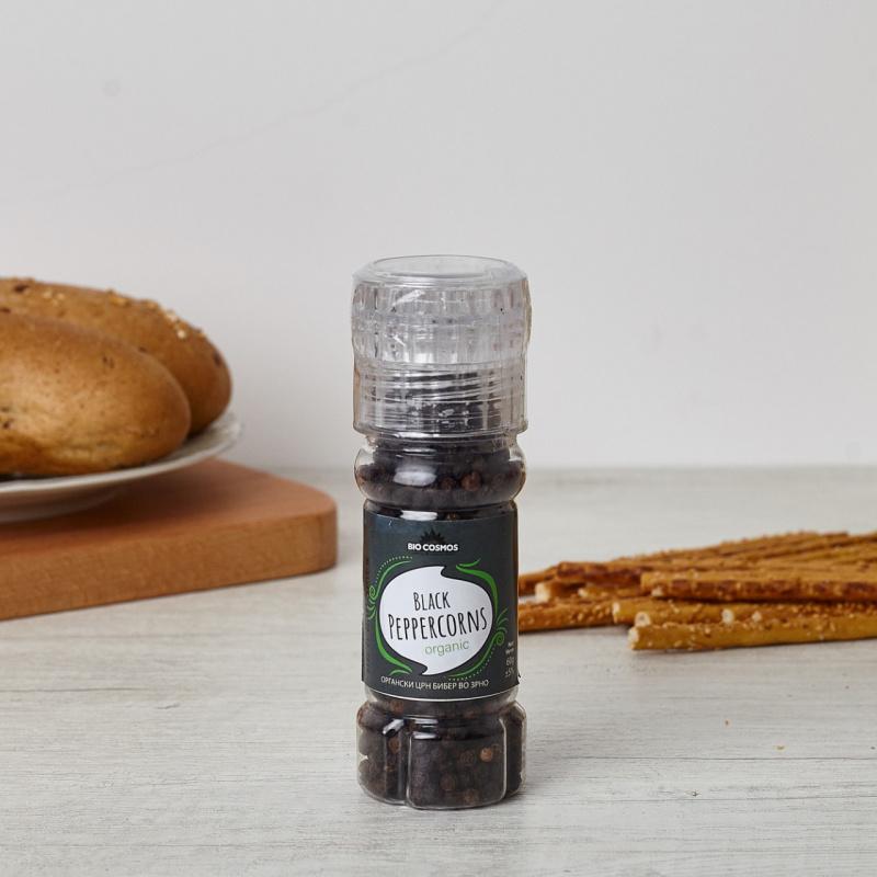 Органски бибер во зрно