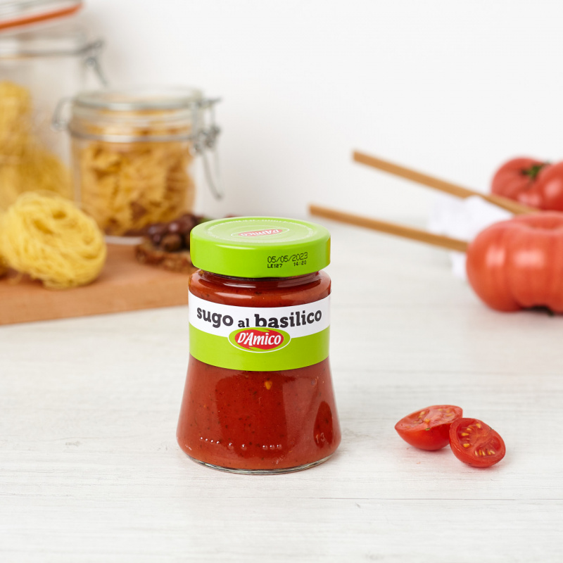 Доматен сос со босилок