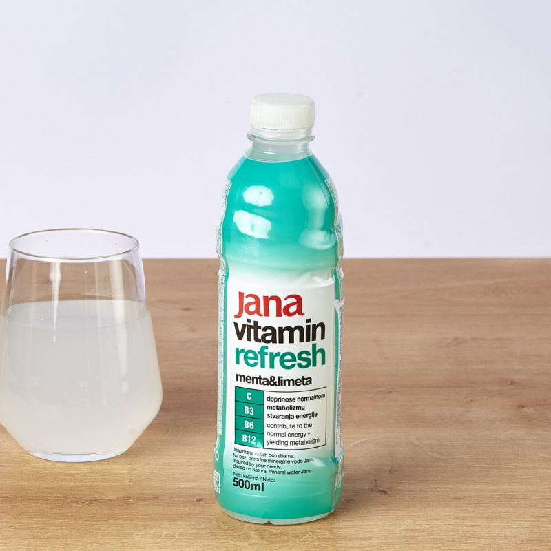 Минерална негазирана вода Jana Refresh