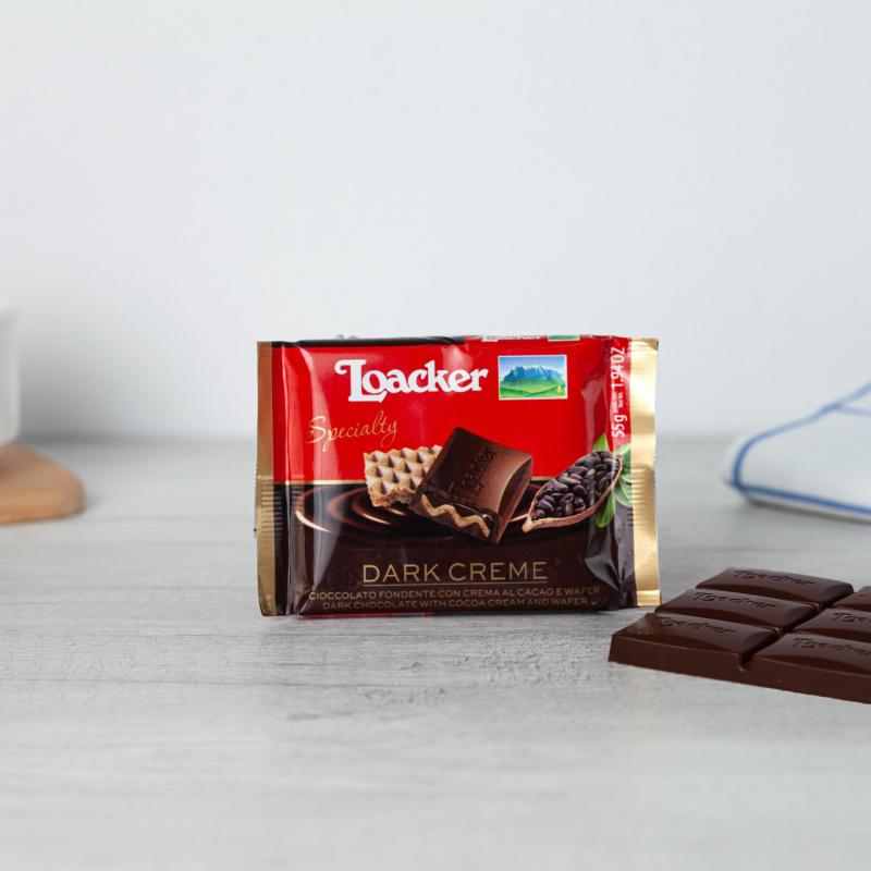 Темно чоколадо со какао крем и крцкави наполитанки